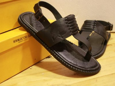 TWIST TOE SANDAL  Black